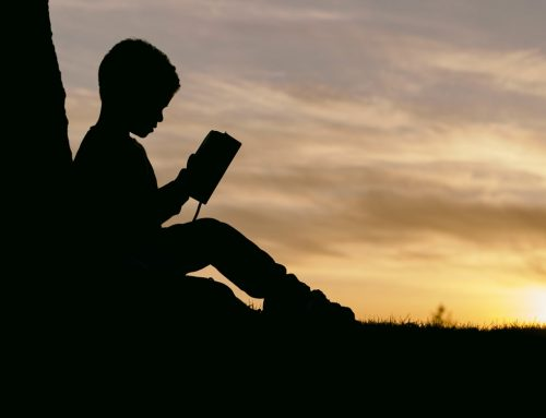 1000 de prieteni, pentru 1000 de copii: Un copil și prima lui carte